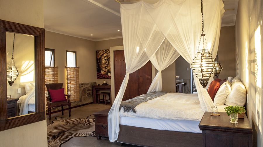 omujeve_hunting_safari_lodge_namibia_suite1a