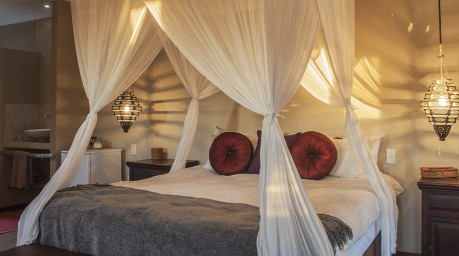 omujeve_hunting_safari_lodge_namibia_suite1b